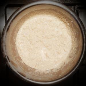 Composto di farina integrale, farina 00 e acqua